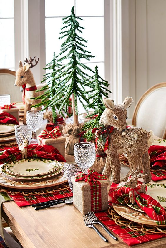 festive christmas tablescapes the everyday hostess